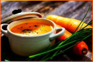 Имбирное пюре с морковью в миске