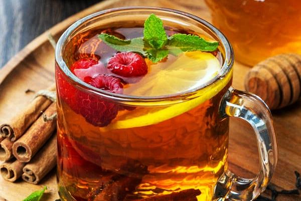 чай с малиной и лимоном