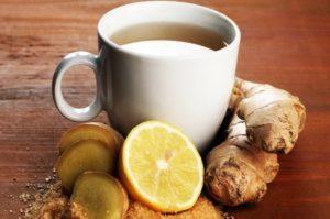 имбирный чай с лимоном в чашке