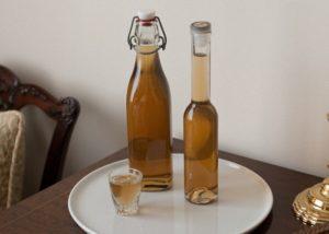 имбирная настойка в бутылке