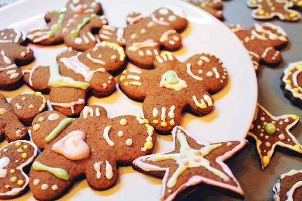 имбирное печенье в форме человечиков
