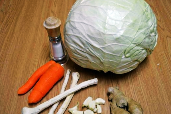 капуста, имбирь и соль
