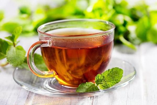 чай с мятой в чашке