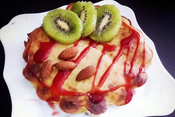 влажный имбирный кекс с фруктами и орехами