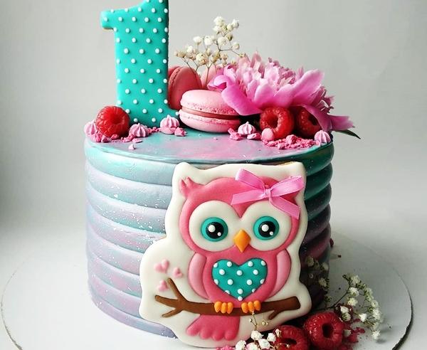 торт для девочки с имбирными пряниками на годик