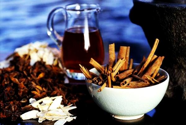 чай с имбирем, корицей и гвоздикой