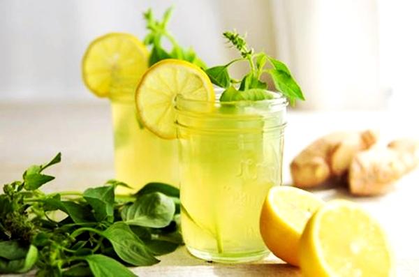 напиток с имбирем, мятой и лимоном