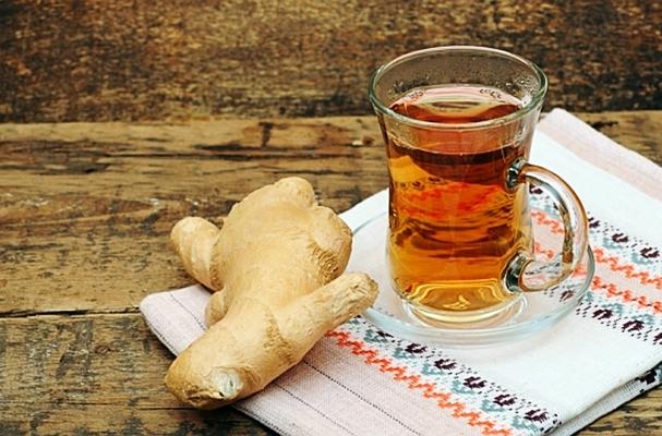 имбирное пиво в стакане