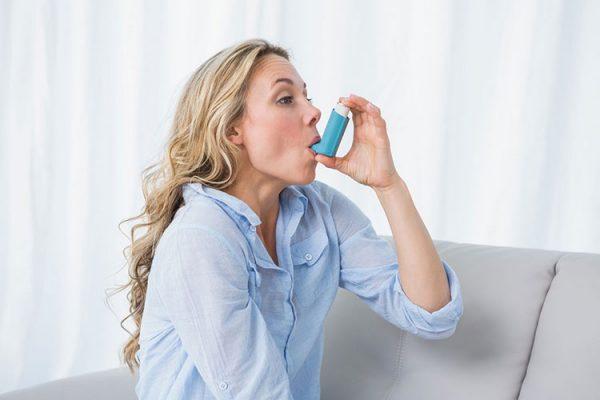 у девушки астма