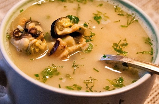 суп с имбирем и мидиями