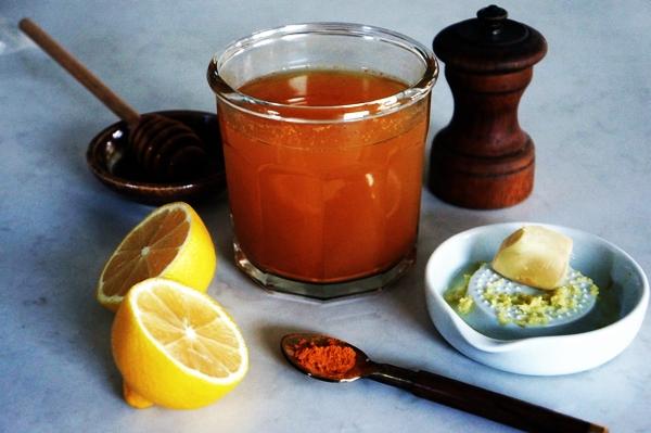 ингредиенты для приготовления чай с лимоном, имбирем и куркумой