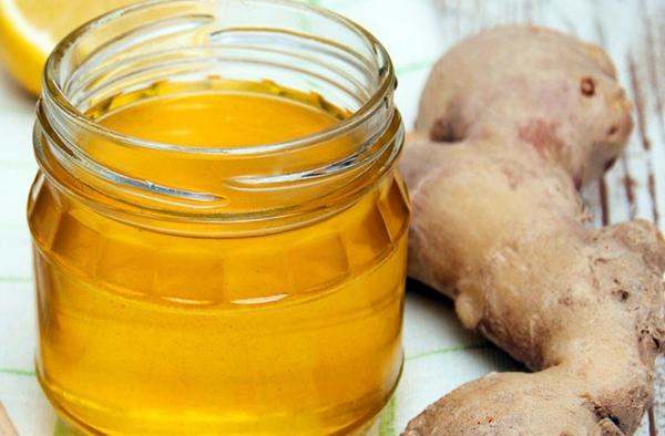 Имбирно-женьшеневый мед в маленькой баночке