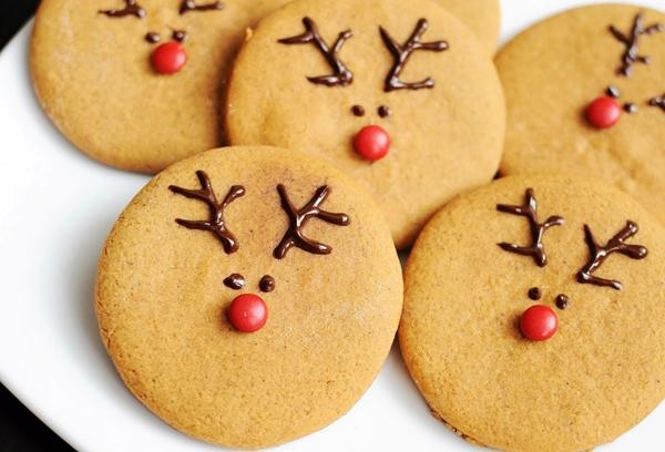 имбирное печенье в форме оленя