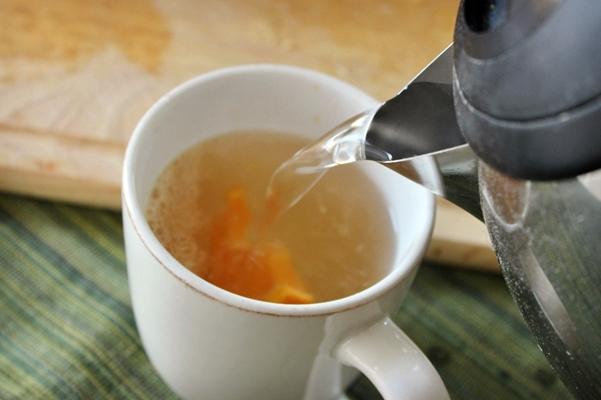 горячий чай с имбирем и апельсином