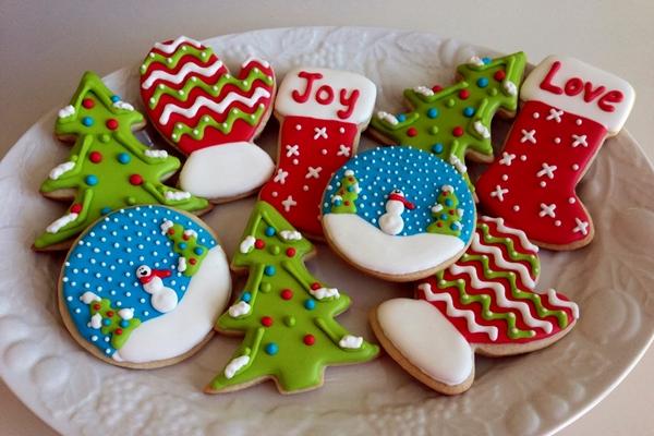 разноцветное имбирное печенье на новый год