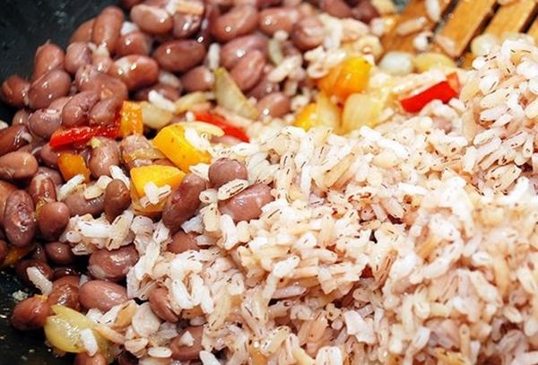 рис с фасолью, овощами и имбирем