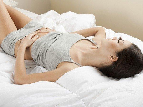 менструальная боль у девушки