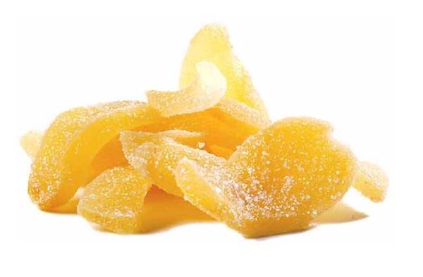имбирь в сахаре на столе