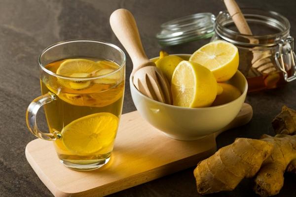 имбирный чай с лимонами