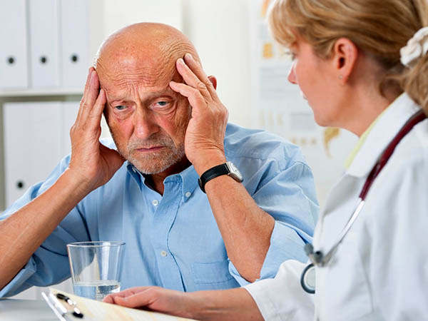мужчина у кардиолога