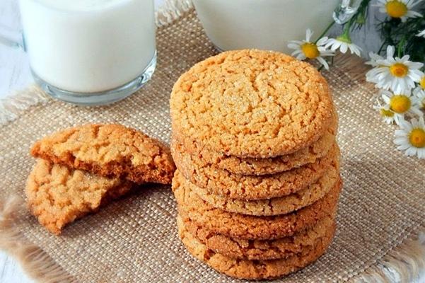 круглое имбирное печенье с медом