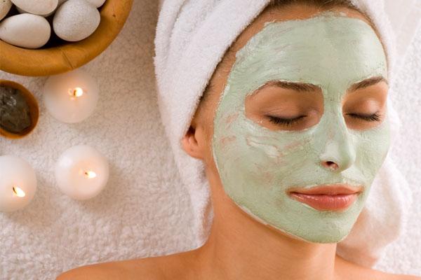 С грязью маска для жирной кожи