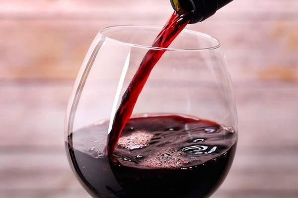 Красное вино с имбирем