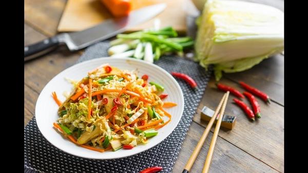 салат пикантный азиатский с имбирем